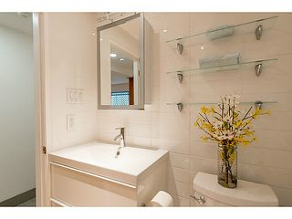 """Photo 15: 102 1545 W 13TH Avenue in Vancouver: Fairview VW Condo for sale in """"THE LEICESTER"""" (Vancouver West)  : MLS®# V1127136"""
