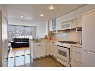 "Photo 1: 2506 939 EXPO Boulevard in Vancouver: Yaletown Condo for sale in ""MAX II"" (Vancouver West)  : MLS®# V1130557"