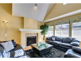 """Photo 4: 8 15450 ROSEMARY HEIGHTS Crescent: White Rock Townhouse for sale in """"CARRINGTON"""" (South Surrey White Rock)  : MLS®# F1451346"""