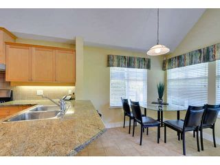 """Photo 8: 8 15450 ROSEMARY HEIGHTS Crescent: White Rock Townhouse for sale in """"CARRINGTON"""" (South Surrey White Rock)  : MLS®# F1451346"""