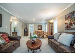 Photo 6: 6247 Rodolph Rd in VICTORIA: CS Tanner House for sale (Central Saanich)  : MLS®# 728007