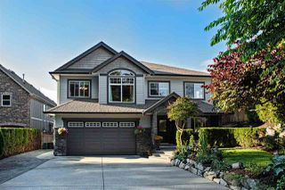 Photo 1: 8550 DOERKSEN Drive in Mission: Mission BC House for sale : MLS®# R2084390