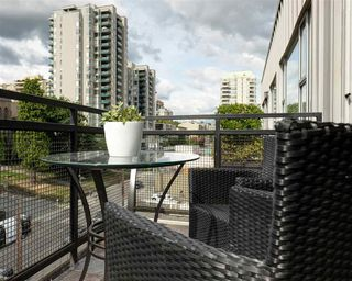 "Photo 16: 511 549 COLUMBIA Street in New Westminster: Downtown NW Condo for sale in ""C2C LOFTS"" : MLS®# R2089522"