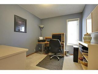 Photo 12: 147 EDGEBROOK Circle NW in Calgary: 2 Storey for sale : MLS®# C3575190