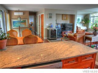 Photo 5: 5036 Sunrise Terr in VICTORIA: SE Cordova Bay House for sale (Saanich East)  : MLS®# 743056