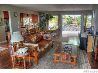 Photo 6: 5036 Sunrise Terr in VICTORIA: SE Cordova Bay Single Family Detached for sale (Saanich East)  : MLS®# 743056