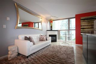 "Photo 3: 801 928 RICHARDS Street in Vancouver: Yaletown Condo for sale in ""The Savoy"" (Vancouver West)  : MLS®# R2112146"