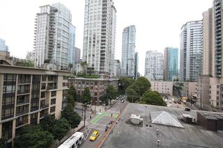 "Photo 13: 801 928 RICHARDS Street in Vancouver: Yaletown Condo for sale in ""The Savoy"" (Vancouver West)  : MLS®# R2112146"