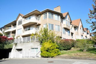"Photo 1: 204 1009 HOWAY Street in New Westminster: Uptown NW Condo for sale in ""HUNTINGTON WEST"" : MLS®# R2113265"