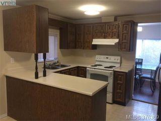 Photo 4: 995 Haslam Ave in VICTORIA: La Glen Lake House for sale (Langford)  : MLS®# 755463