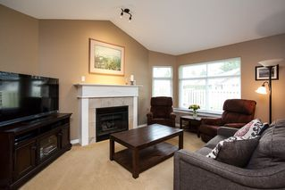 "Photo 10: 49 8555 209 Street in Langley: Walnut Grove Townhouse for sale in ""Autumnwood"" : MLS®# R2154627"