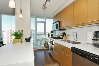 Photo 4: 709 2770 SOPHIA Street in Vancouver East: Home for sale : MLS®# V778744