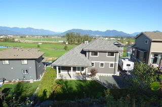 Photo 2: 36 50778 LEDGESTONE Place in Chilliwack: Eastern Hillsides House for sale : MLS®# R2230097