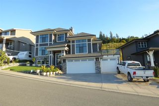 Photo 1: 36 50778 LEDGESTONE Place in Chilliwack: Eastern Hillsides House for sale : MLS®# R2230097