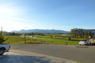 Photo 3: 36 50778 LEDGESTONE Place in Chilliwack: Eastern Hillsides House for sale : MLS®# R2230097