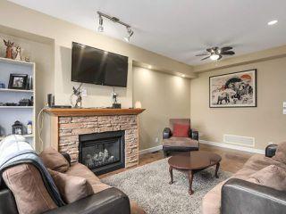 Photo 3: 70 20738 84 Avenue in Langley: Willoughby Heights Townhouse for sale : MLS®# R2239410