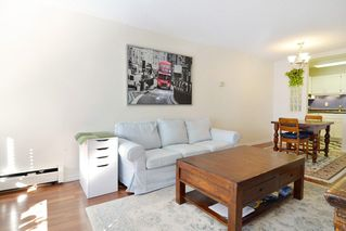 "Photo 4: 306 436 SEVENTH Street in New Westminster: Uptown NW Condo for sale in ""Regency Court"" : MLS®# R2242396"