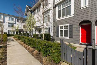 "Photo 3: 33 15152 91 Avenue in Surrey: Fleetwood Tynehead Townhouse for sale in ""Fleetwood Mac"" : MLS®# R2260419"