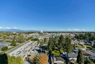 "Photo 13: 1302 14881 103A Avenue in Surrey: Guildford Condo for sale in ""Sunwest Estates"" (North Surrey)  : MLS®# R2266933"