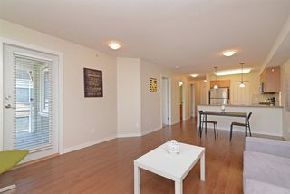 "Photo 4: PH7 2373 ATKINS Avenue in Port Coquitlam: Central Pt Coquitlam Condo for sale in ""CARMANDY"" : MLS®# R2290400"