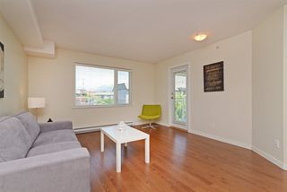 "Photo 3: PH7 2373 ATKINS Avenue in Port Coquitlam: Central Pt Coquitlam Condo for sale in ""CARMANDY"" : MLS®# R2290400"
