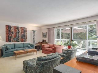 Photo 3: 1691 DAVENPORT Place in North Vancouver: Westlynn Terrace House for sale : MLS®# R2291940