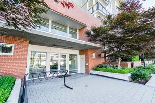 "Photo 4: 113 15956 86A Avenue in Surrey: Fleetwood Tynehead Condo for sale in ""ASCEND"" : MLS®# R2302925"