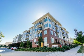 "Photo 2: 113 15956 86A Avenue in Surrey: Fleetwood Tynehead Condo for sale in ""ASCEND"" : MLS®# R2302925"