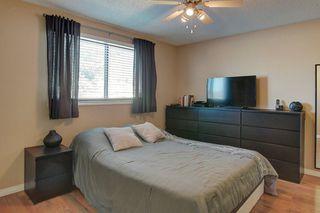 Photo 12: 252 QUEEN ALEXANDRA Road SE in Calgary: Queensland Detached for sale : MLS®# C4215983