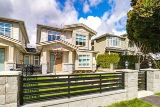 Photo 17: 4363 HURST Street in Burnaby: Metrotown House 1/2 Duplex for sale (Burnaby South)  : MLS®# R2325354