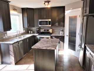 Photo 6: 816 113A Street in Edmonton: Zone 16 House for sale : MLS®# E4139972