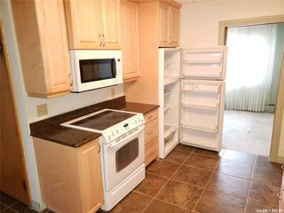 Photo 6: 322 Lake Crescent in Saskatoon: Grosvenor Park Residential for sale : MLS®# SK763928