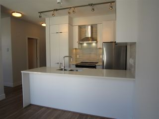 "Photo 2: PH7 5355 LANE Street in Burnaby: Metrotown Condo for sale in ""INFINITY"" (Burnaby South)  : MLS®# R2354373"