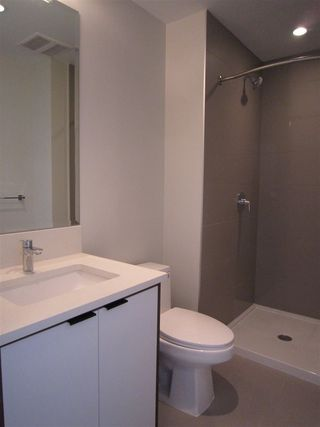 """Photo 10: PH7 5355 LANE Street in Burnaby: Metrotown Condo for sale in """"INFINITY"""" (Burnaby South)  : MLS®# R2354373"""