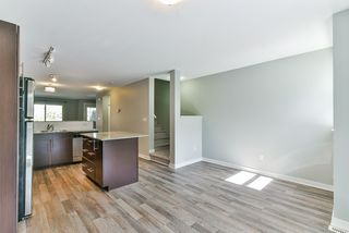 "Photo 7: 27 19250 65 Avenue in Surrey: Clayton Townhouse for sale in ""Sunberry Court"" (Cloverdale)  : MLS®# R2359782"