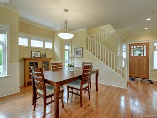 Photo 4: 562 Caselton Place in VICTORIA: SW Royal Oak Row/Townhouse for sale (Saanich West)  : MLS®# 408525