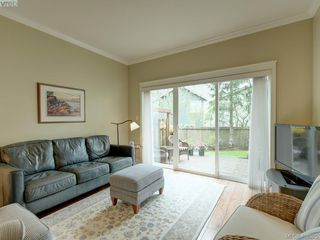 Photo 16: 562 Caselton Place in VICTORIA: SW Royal Oak Row/Townhouse for sale (Saanich West)  : MLS®# 408525
