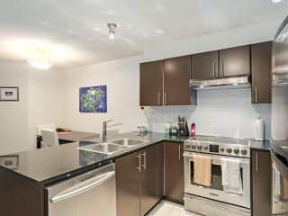 Photo 6: 228 1633 MACKAY Avenue in North Vancouver: Pemberton NV Condo for sale : MLS®# R2372956
