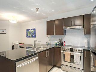 Photo 6: 228 1633 MACKAY Avenue in North Vancouver: Pemberton NV Condo for sale : MLS®# R2372956