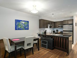 Photo 5: 228 1633 MACKAY Avenue in North Vancouver: Pemberton NV Condo for sale : MLS®# R2372956