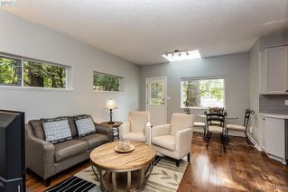 Photo 12: 1037 Leslie Dr in VICTORIA: SE Quadra Half Duplex for sale (Saanich East)  : MLS®# 816161