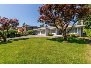"""Photo 2: 765 FOSTER Avenue in Coquitlam: Coquitlam West House for sale in """"CENTRAL COQUITLAM - Vancouver Golf Course"""" : MLS®# R2376273"""