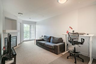 "Photo 4: 305 1989 DUNBAR Street in Vancouver: Kitsilano Condo for sale in ""SONESTA"" (Vancouver West)  : MLS®# R2380994"