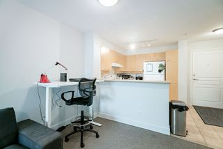 "Photo 7: 305 1989 DUNBAR Street in Vancouver: Kitsilano Condo for sale in ""SONESTA"" (Vancouver West)  : MLS®# R2380994"