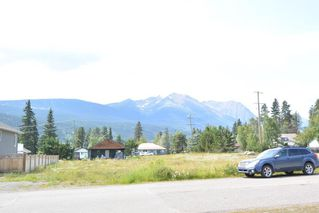 "Photo 2: 3880 11TH Avenue in Smithers: Smithers - Town House for sale in ""Hill Section"" (Smithers And Area (Zone 54))  : MLS®# R2395294"