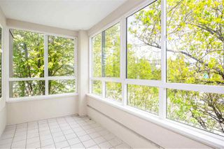 """Photo 13: 302 1010 W 42ND Avenue in Vancouver: South Granville Condo for sale in """"Oak Gardens"""" (Vancouver West)  : MLS®# R2419293"""