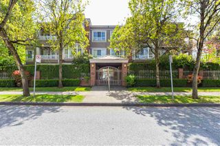 "Main Photo: 302 1010 W 42ND Avenue in Vancouver: South Granville Condo for sale in ""Oak Gardens"" (Vancouver West)  : MLS®# R2419293"