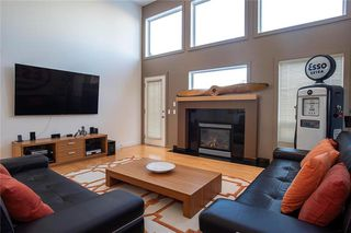 Photo 2: 2 101 Litchfield Boulevard in Winnipeg: Tuxedo Condominium for sale (1E)  : MLS®# 202001497