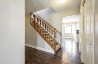 Photo 3: 637 BUTCHART Wynd in Edmonton: Zone 14 House for sale : MLS®# E4192132