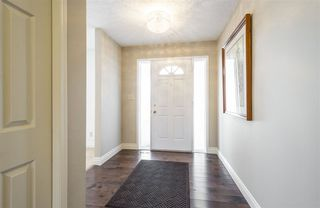 Photo 2: 637 BUTCHART Wynd in Edmonton: Zone 14 House for sale : MLS®# E4192132